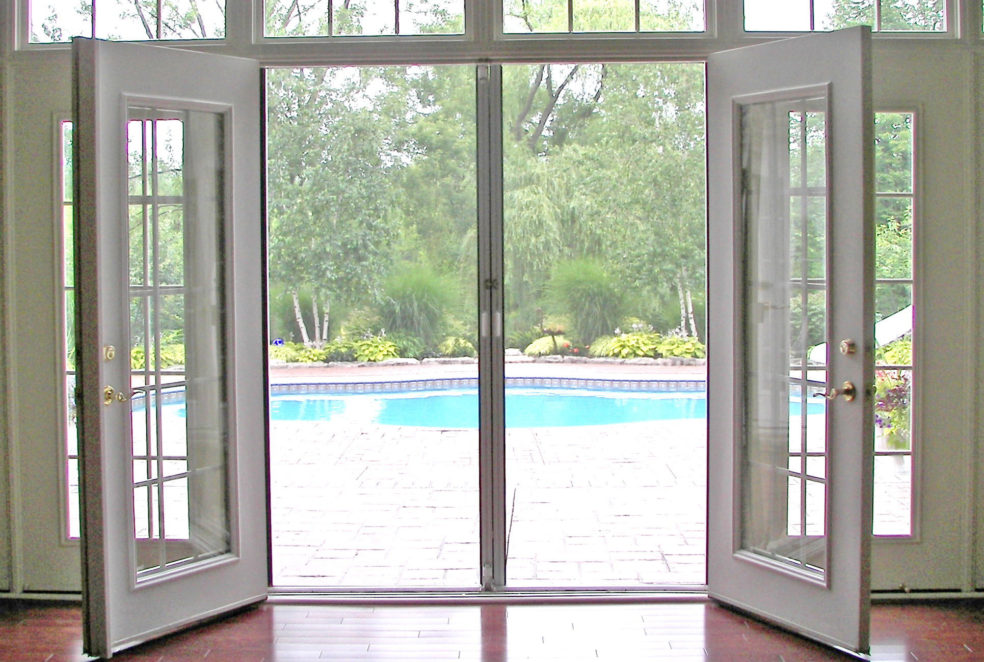 8311-retractable-screen-doors-mississauga